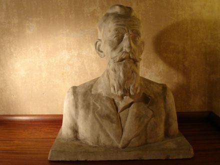Nelly Pourbaix , buste van man met baard rond