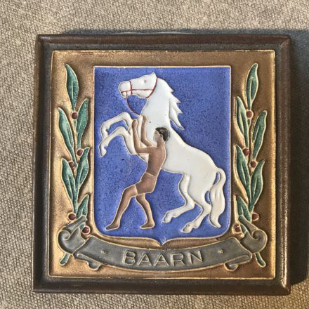 Cloisonné-tegel Porceleyne Fles Delft - wapen Baarn