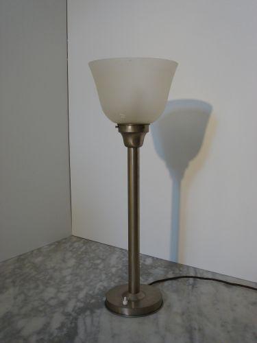 Tafellamp in Bauhaus /Gispen stijl