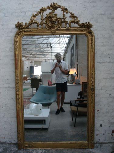 Grootse antieke spiegel met kuif (dezaak)