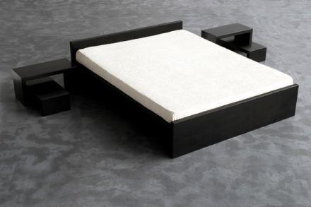Irony Bed van Zeus
