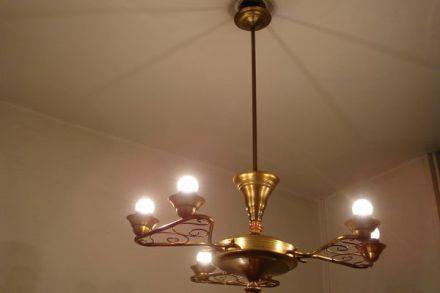 decoratieve koperen hanglamp