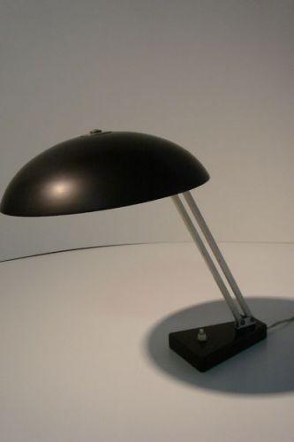 Hala bureaulamp model 145 schuine stand