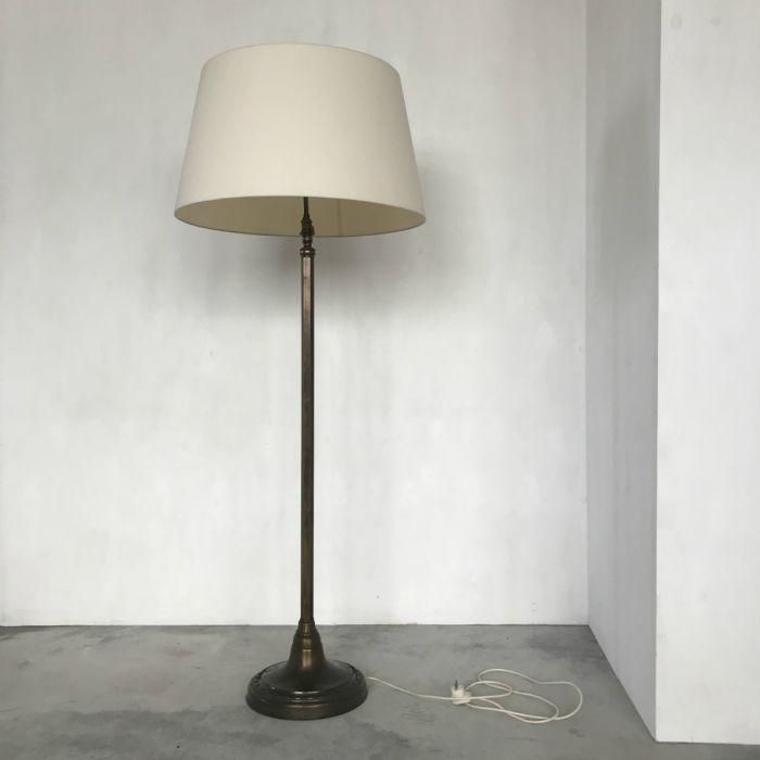 Vloerlamp verstelbaar jaren 20/30. Tilburg, De Zaak design en advies